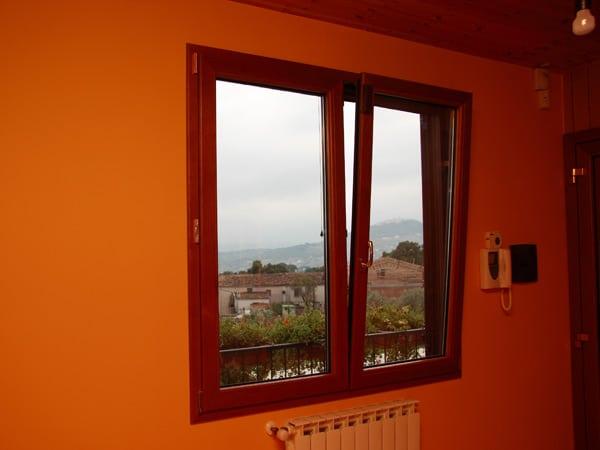 Chiusura-finestra-vasistas-reggio-emilia