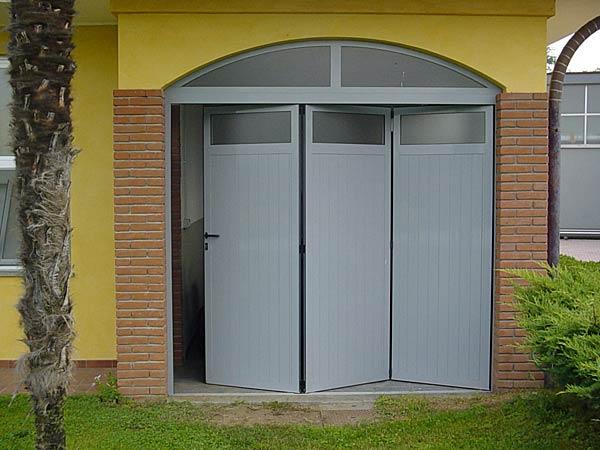 Porte per garage reggio emilia carpi prezzi for Prezzi del garage della carrozza