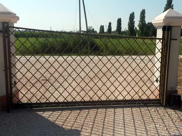 Installazione-motori-per-cancello-automatico