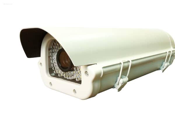 Montaggio-telecamere-per-lettura-targhe-suzzara