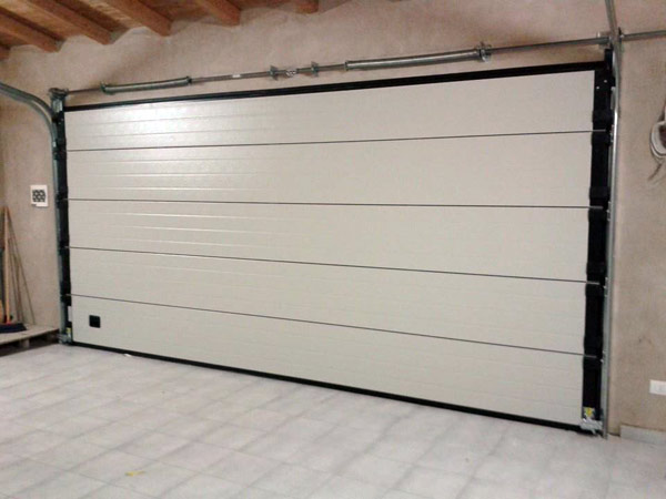Quanto-costa-installare-una-porta-garage-carpi